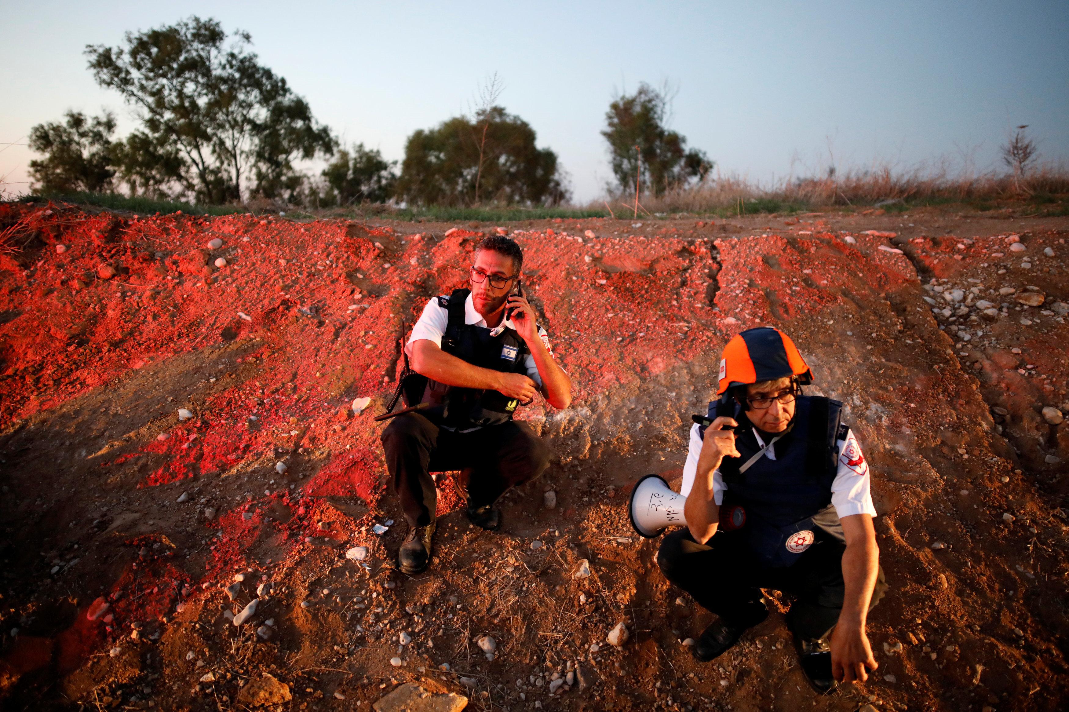 İsrailli acil yardım ekiplerinin tedirgin bekleyişi