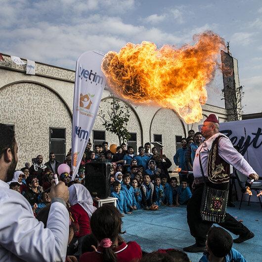 مهرجان ترفيهي للأيتام السوريين في ريحانلي التركية