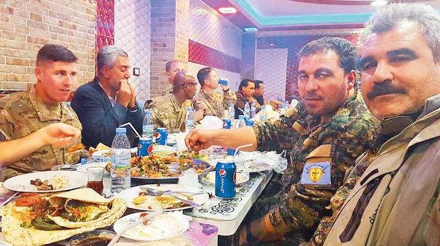 Münbiç'te çekilen bu fotoğraf, ABD ile PKK/PYD terör örgütünün işbirliğini bir kez daha gözler önüne serdi.n