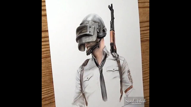 PUBG karakterini kalemle resmediyor