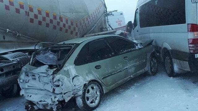 Facia gibi kaza: 20 araç birbirine girdi