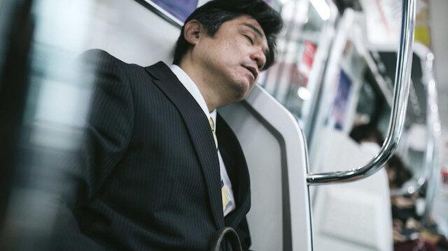 Japonya'da çalışanlara 'uyku molası' teşviki: Özel odalar hazırlanıyor