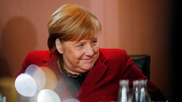 Merkel'den Brexit açıklaması: May'dan yeni teklifler bekliyoruz