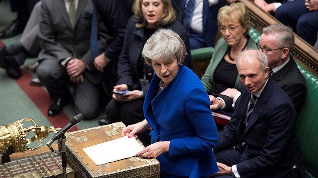 İngiltere Başbakanı May'e parlamentodan güvenoyu