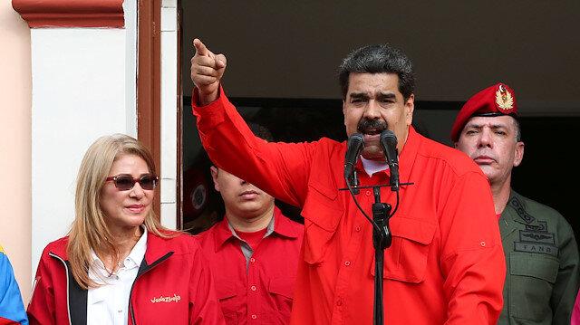 Facebook ve Twitter, Nicolas Maduro'nun onay rozetini kaldırdı