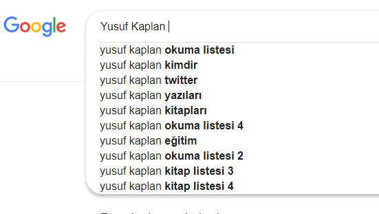 Arama motoru Google'da Yusuf Kaplan ismi aratılınca tavsiye kitap listesi üzerine yapılan sorgulamalar da öneriliyor.