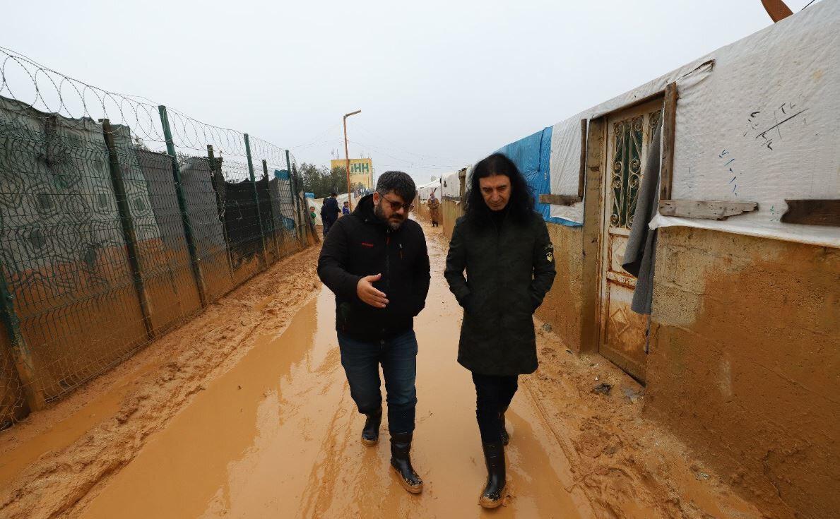 Murat Kekilli, İHH yetkililerinden kamplarla ilgili bilgi aldı.
