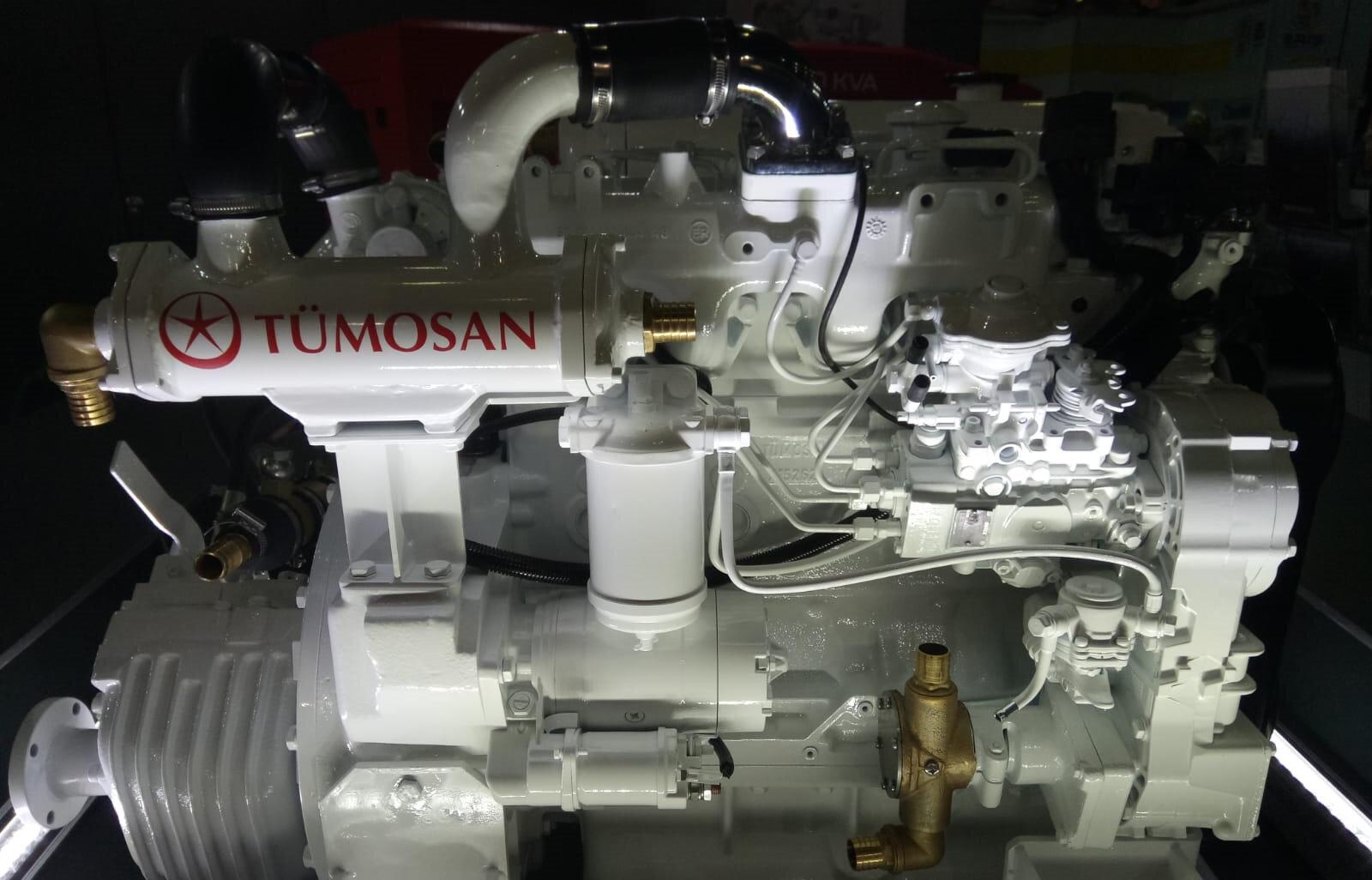 TÜMOSAN, 'denizlerin yeni yerli gücü' temasıyla 75, 85, 95 ve 105 beygir seçeneklerinde marin motor ailesi geliştirdi.