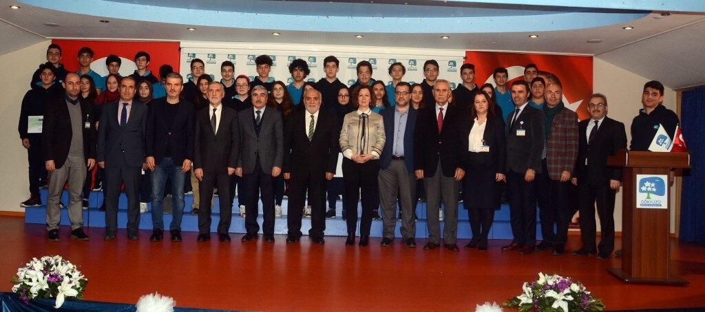 Programın sonunda öğrencilere Türkiye Yeşilay cemiyeti tarafından sertifika verildi.