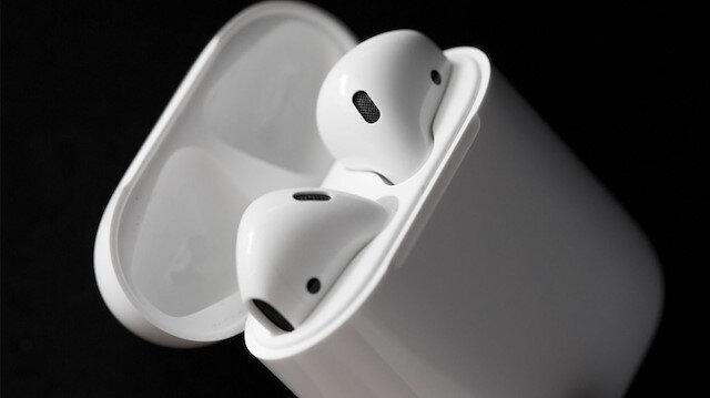Apple, yeni AirPods'u tanıttı: 'Kablosuz şarj ve Siri aktivasyonu'