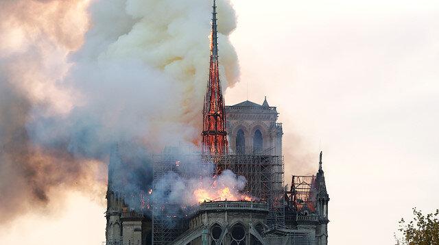 Notre Dame Katedrali'ni tanıklık ettiği tarihi olaylarla tanıyalım