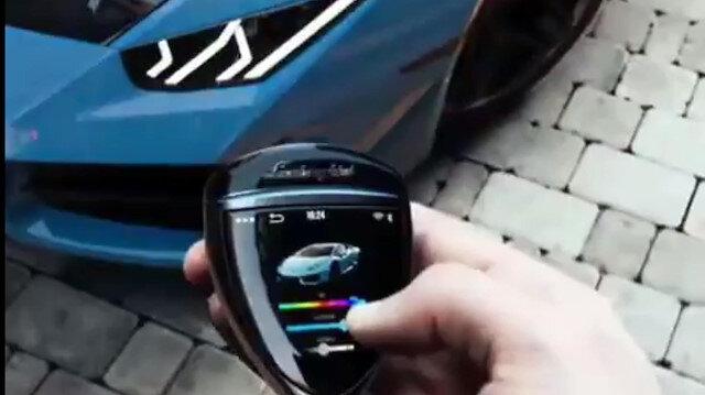 Anahtar ile Lamborghini'nin rengini değiştirdi