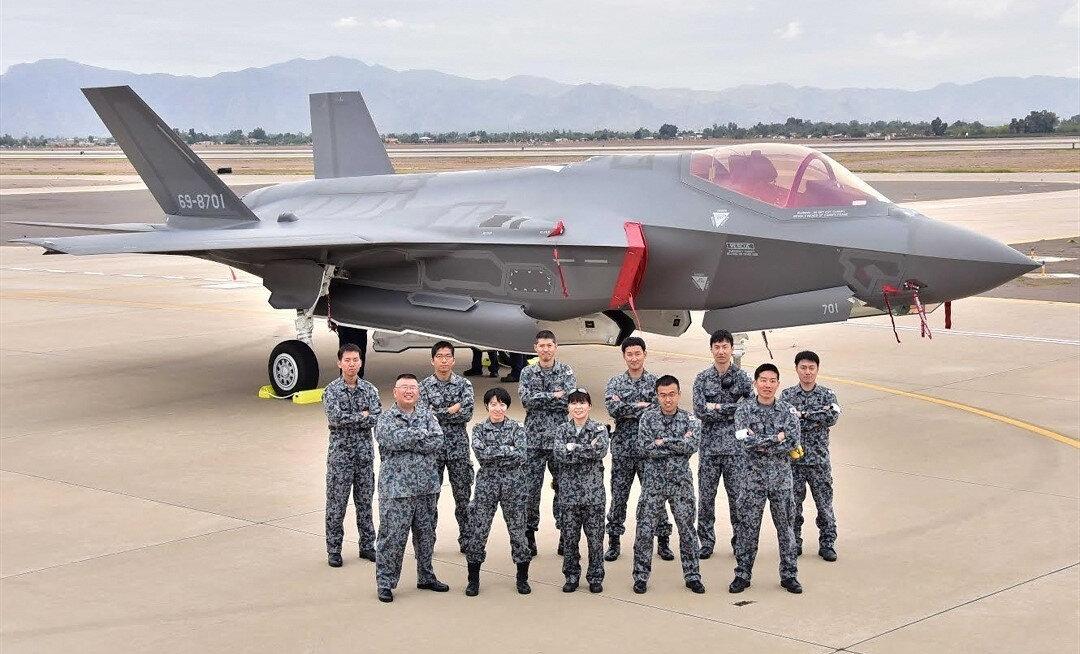 F-35 eğitimlerini tamamlayan Japon pilotlar.