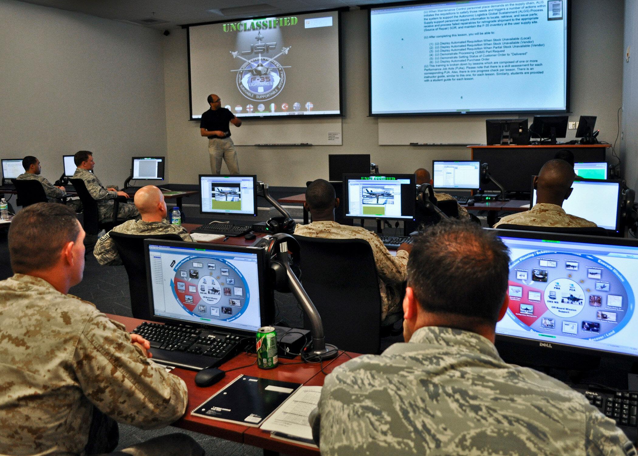 F-35 uçaklarına dair tüm bilgiler sahip olduğu ALIS sistemi tarafından merkeze gönderiliyor.