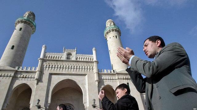 Azerbaycan'da 28 yıl sonra zorunlu din dersi