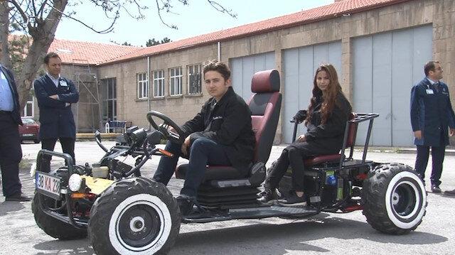 Öğrenciler 1 saatlik şarj ile 150 kilometre giden elektrikli araba yaptı