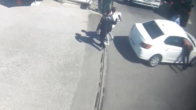 Film gibi operasyon: Polis durdurmak için ön camdan arabaya atladı