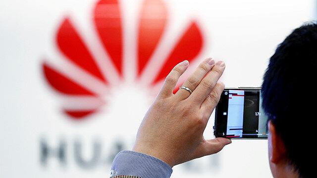 Google Huawei'in en gözde iki cihazını listeden çıkardı