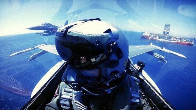 Türk F-16'ları Akdeniz'de 'Yavuz'u selamladı