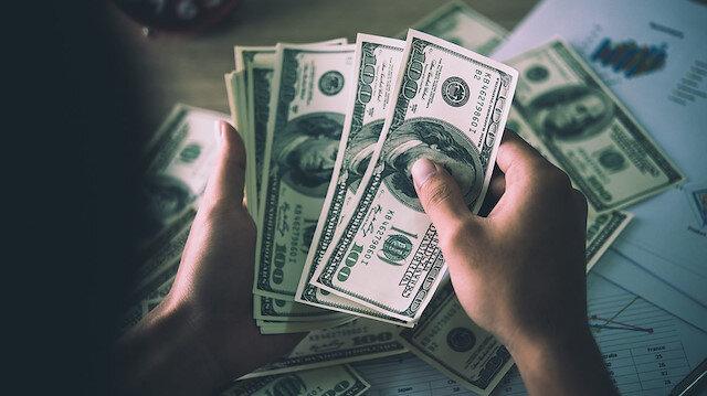 Dolar güne 5,80'in altında başladı