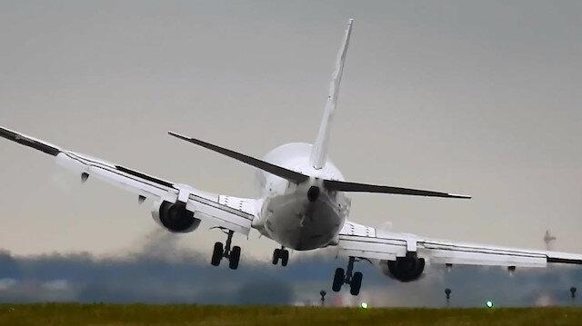 ABD'de uçak evin üstüne düştü: 2 ölü