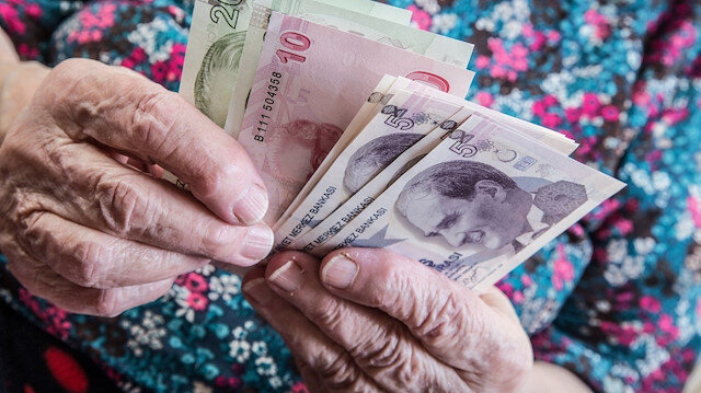 Emeklilerden 'seyyanen zam' talebi