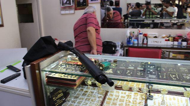 Dükkana pompalı tüfekle giren Ümit Ç, kuyumcunun sözleri üzerine gasptan vazgeçti.