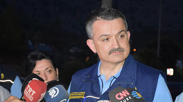 """Pakdemirli'den yangın açıklaması: Mücadele gece boyunca devam edecek"""""""