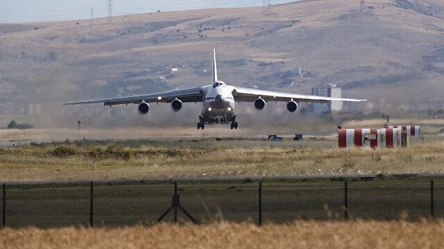 S-400 teslimatında 2. gün: Rus uçağı Mürted'e indi
