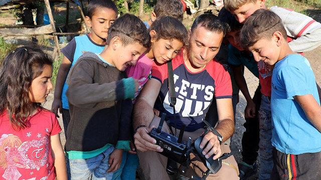 İlk kez drone gören çocukların heyecanı
