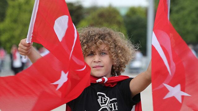 """""""15 Temmuz Demokrasi ve Milli Birlik Günü Buluşması"""" için vatandaşlar, Atatürk Havalimanı'na geldi."""