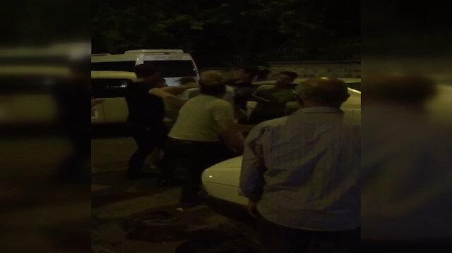 Kaza yapan sürücüler tekme tokat birbirine girdi