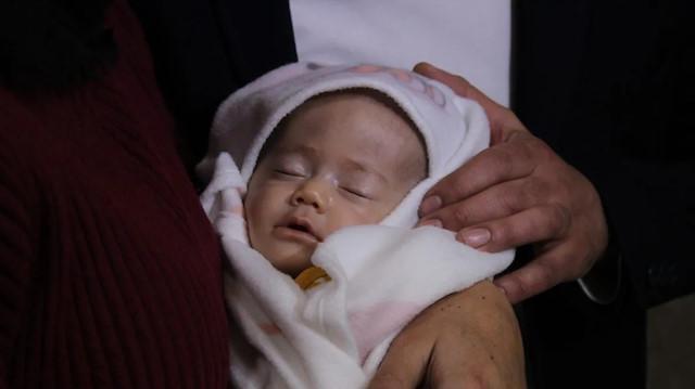 Yaşayan bebeğe öldü dediler: Doktor tecrübesi çok önemli