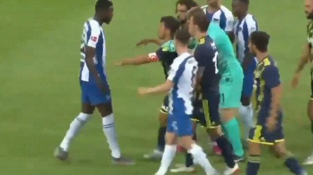 Emre Belözoğlu tartıştığı Jordan Torunarigha ile maç sonu birbirine girdi