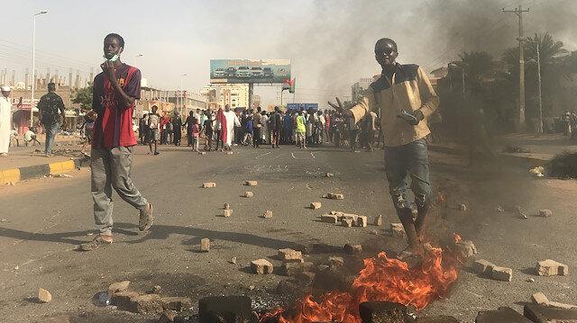 Sudan'daki gösteride ölü sayısı 6'ya yükseldi