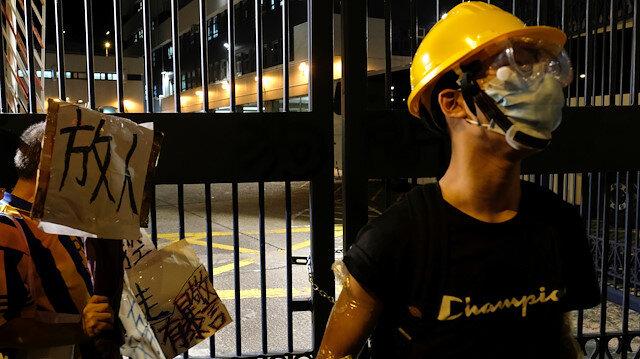 Hong Kong'daki protestolarda gözaltına alınanlara sokağa çıkma yasağı