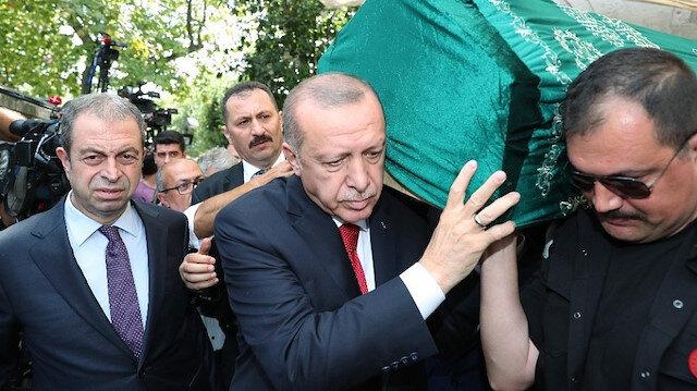 Cumhurbaşkanı Erdoğan Prof. Dr. Emin Işık'ı son yolculuğuna uğurladı