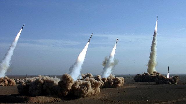 Husilerden Suudi Arabistan'daki askeri kampa füze saldırısı