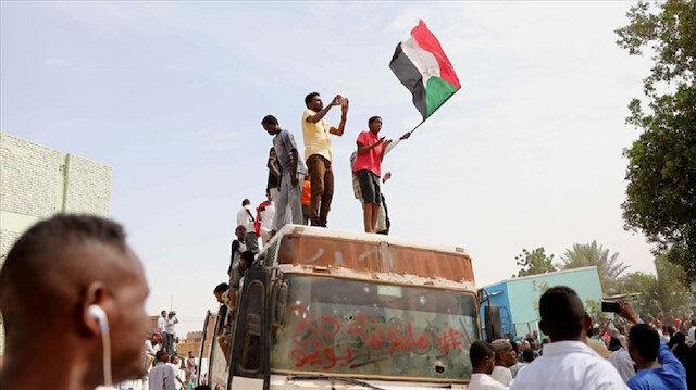 Sudan'da anayasa bildirisinin ön anlaşması imzalandı