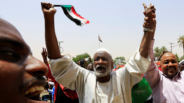 Sudan'da geçiş döneminde anlaşma sağlandı