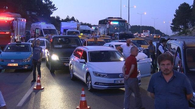 İstanbul Havalimanı yolunda trafik kazası: Yol trafiğe kapandı