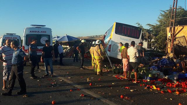 Havaist otobüsü devrildi: 1 ölü, 7 yaralı
