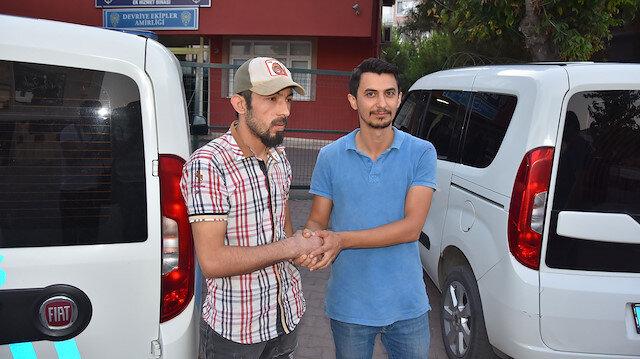 Suriyeli genç para dolu cüzdanı sahibine ulaştırdı