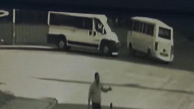 Servis minibüsünün çarptığı Özlem hayatını kaybetti