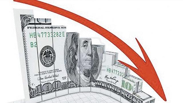 Kumpasın yıl dönümünde dolar 5.50'nin altında