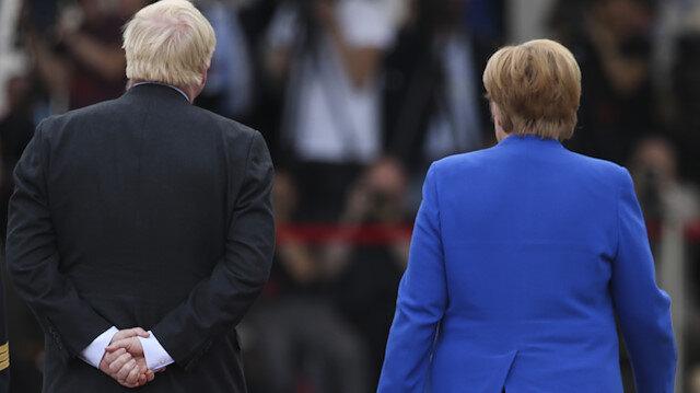 Almanlar bu defa çok sinirlendi: Boris Johnson'dan küstah hareket