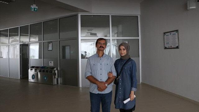 Kızının desteğiyle üniversiteye başlayan baba 'Gazetecilik' okuyacak