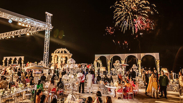 'Hint düğünü için 12 kat fazla harcama yapıyorlar'