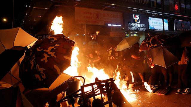 Hong Kong'taki protestolar sürüyor