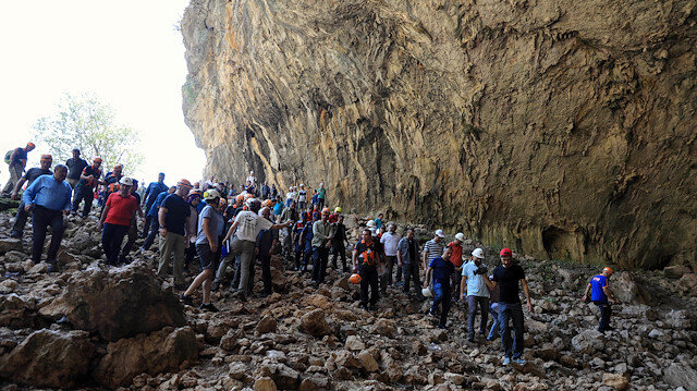30 milyon yıllık mağarada ezan okundu